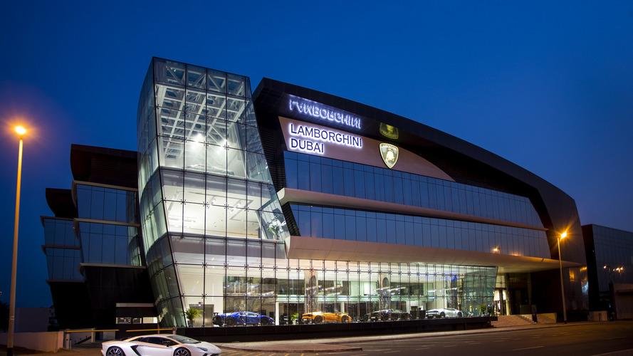 Lamborghini'nin Dubai'deki yeni bayisi muhteşem görünüyor