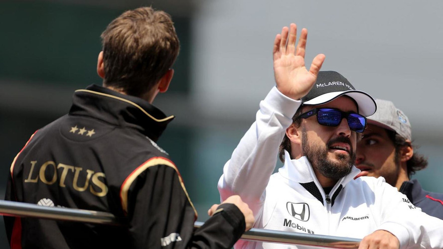 McLaren backs under-fire Alonso
