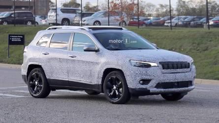 Flagra - Novo Jeep Cherokee 2018 aparece com traços de Compass