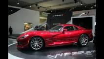 Salão do Automóvel: Novo Viper é a grande estrela no estande da Chrysler