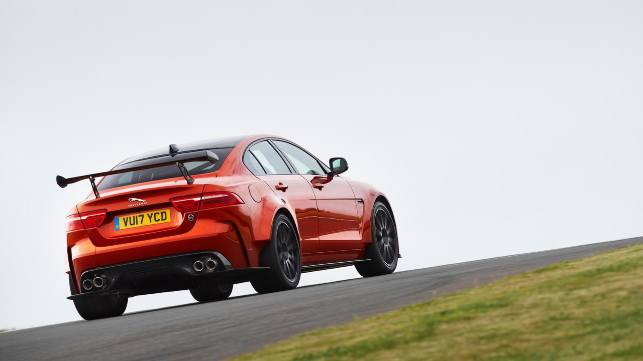 2014 - [Jaguar] XE [X760] - Page 22 Jaguar-xe-sv-project-8-revealed
