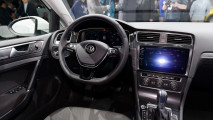 Volkswagen e-Golf restyling al Salone di Los Angeles 020