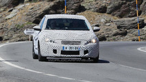 Next-gen Peugeot 308 spy photo 29.8.2012 / Automedia