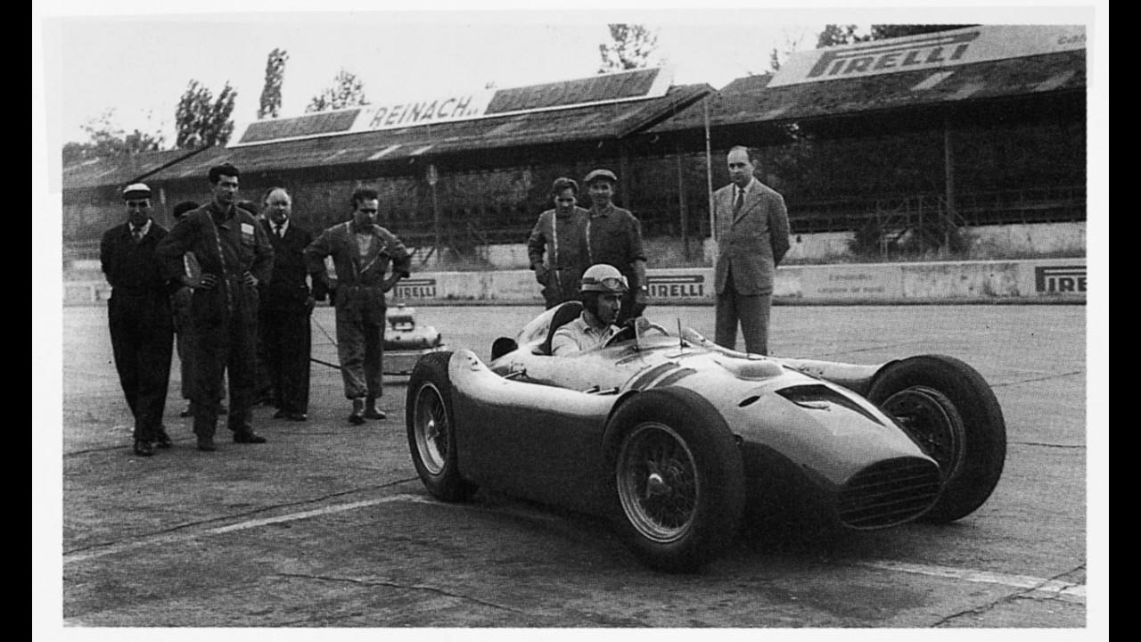 Alberto Ascari su Lancia a Monza  nel 1954