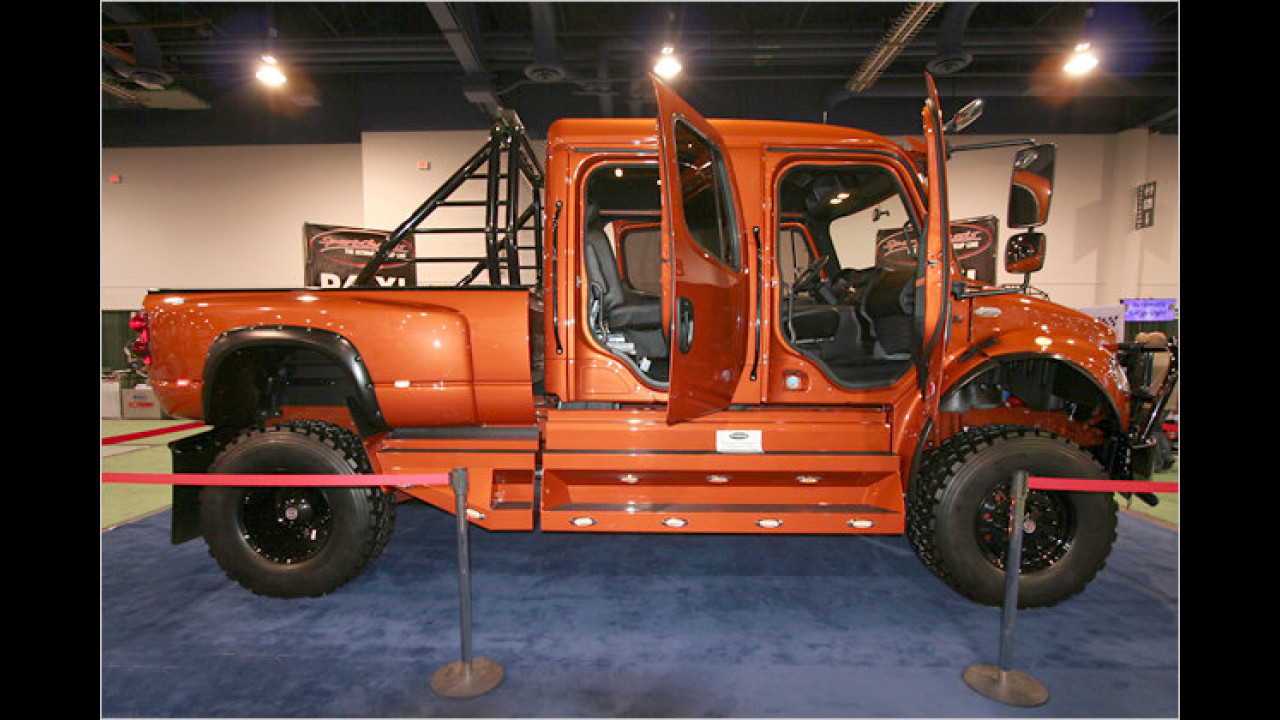 SportChassis P4XL (SEMA 2008)