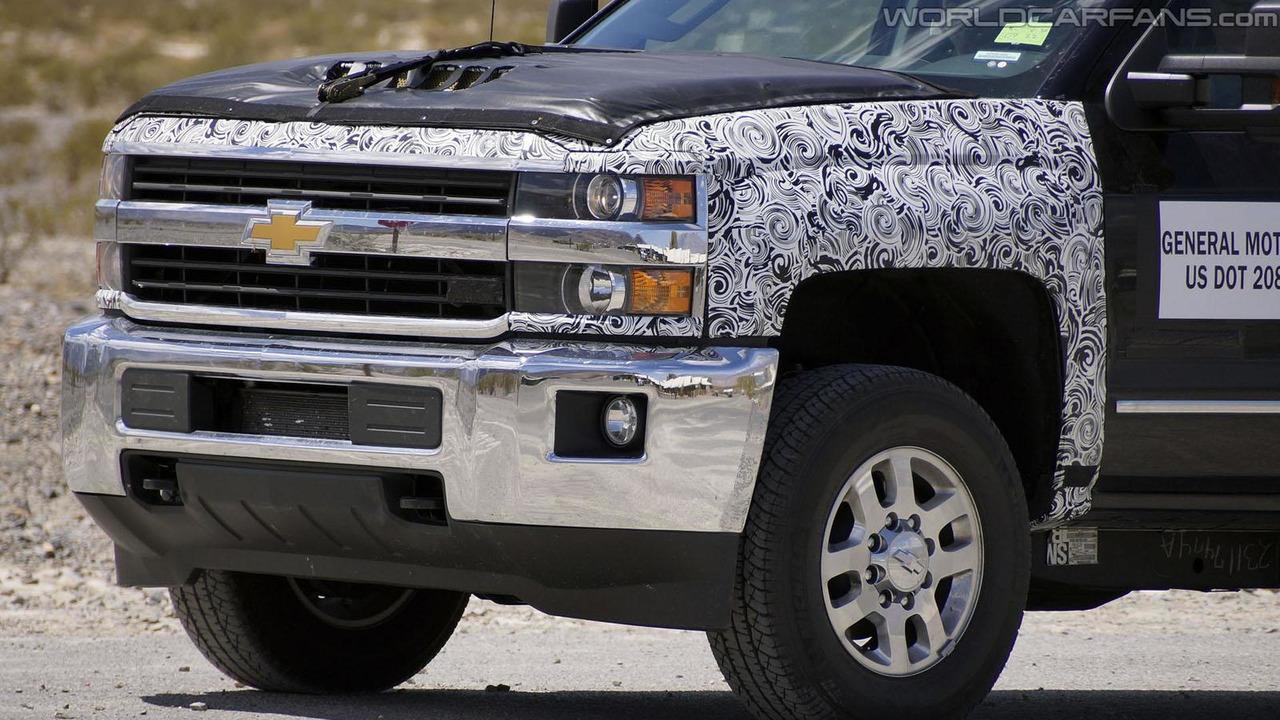 2016 Chevrolet Silverado spy photo