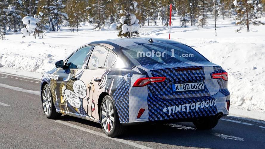 Ford Focus Sedan Casus Fotoğraflar