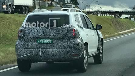 Flagra! Novo Renault Duster aparece em testes no Brasil