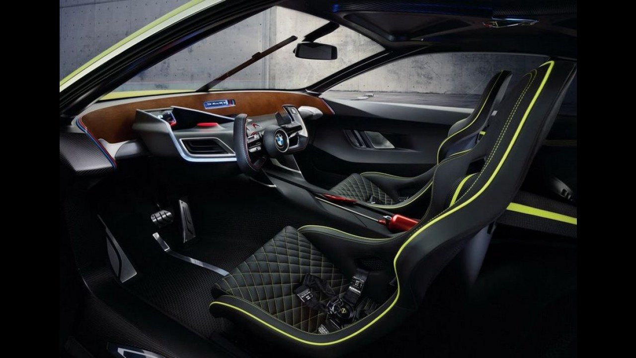 """BMW revela 3.0 CSL Hommage, o """"Batmóvel"""" - veja fotos"""