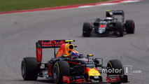 Max Verstappen, Red Bull Racing RB12 , Jenson Button, McLaren MP4-31
