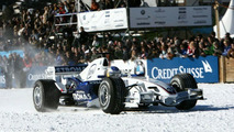 Heidfeld in St.Moritz on snow with F1.07