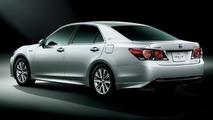 Makyajlı Toyota Crown