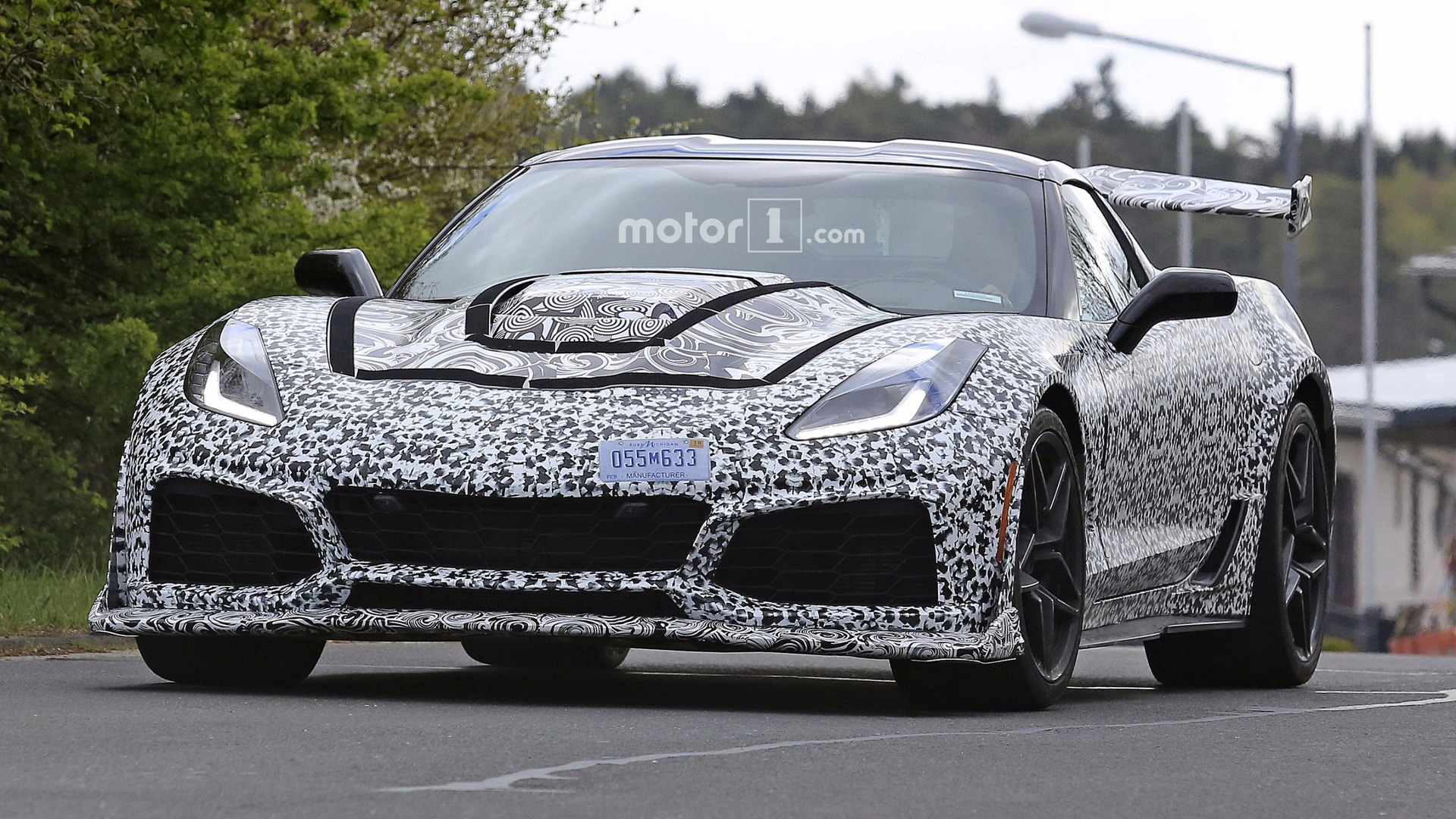 2018 chevy corvette zr1 shows up again on video. Black Bedroom Furniture Sets. Home Design Ideas