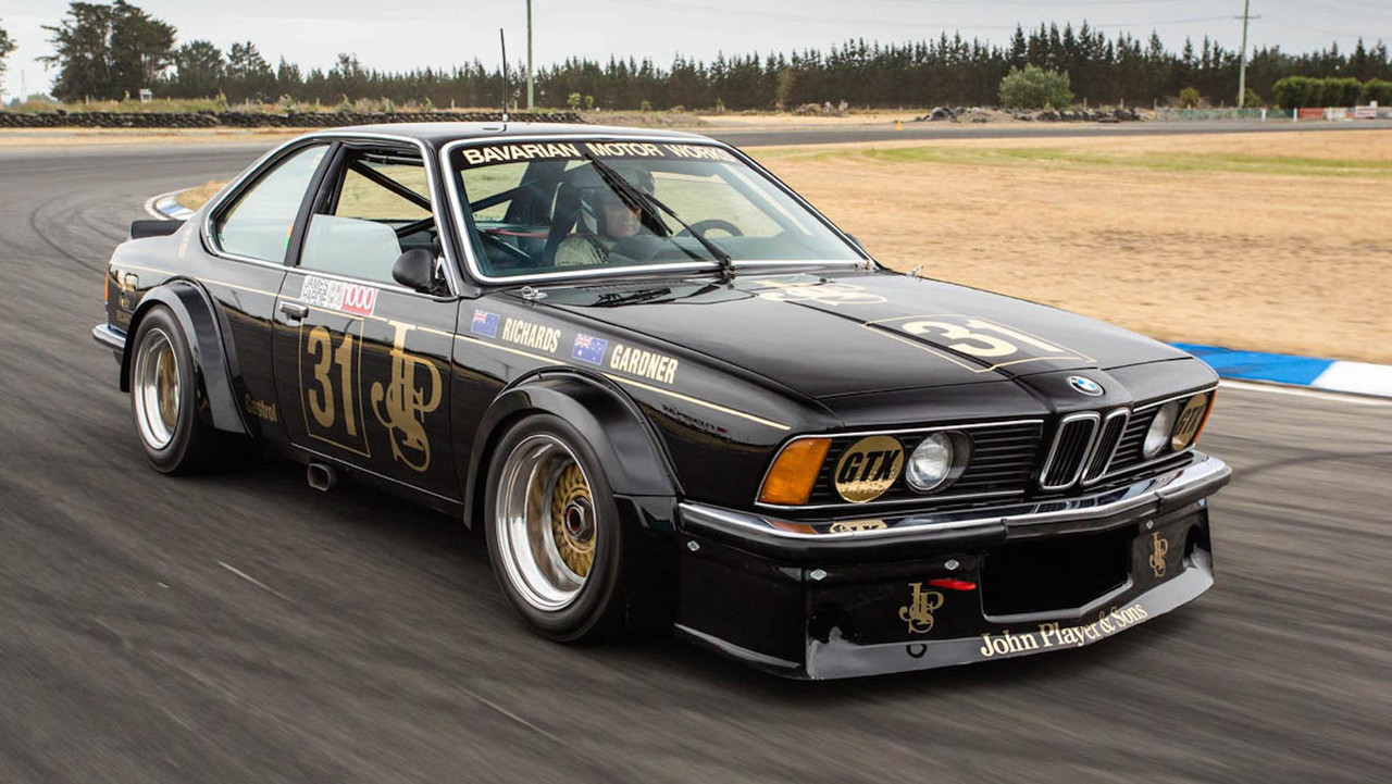 legendary bmw 635 csi 39 black beauty 39 returns to the track. Black Bedroom Furniture Sets. Home Design Ideas