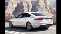 Jaguar XF tanzt übers Seil