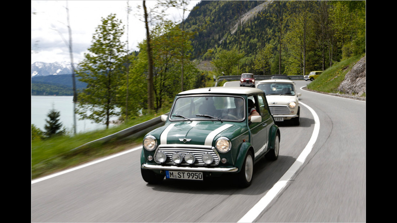 Auf hügeligen und kurvigen Straßen fühlt sich der 63 PS starke und 770 Kilogramm leichte Classic Mini wesentlich wohler als auf Autobahnen.