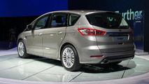 Ford S-MAX live at Paris Motor Show