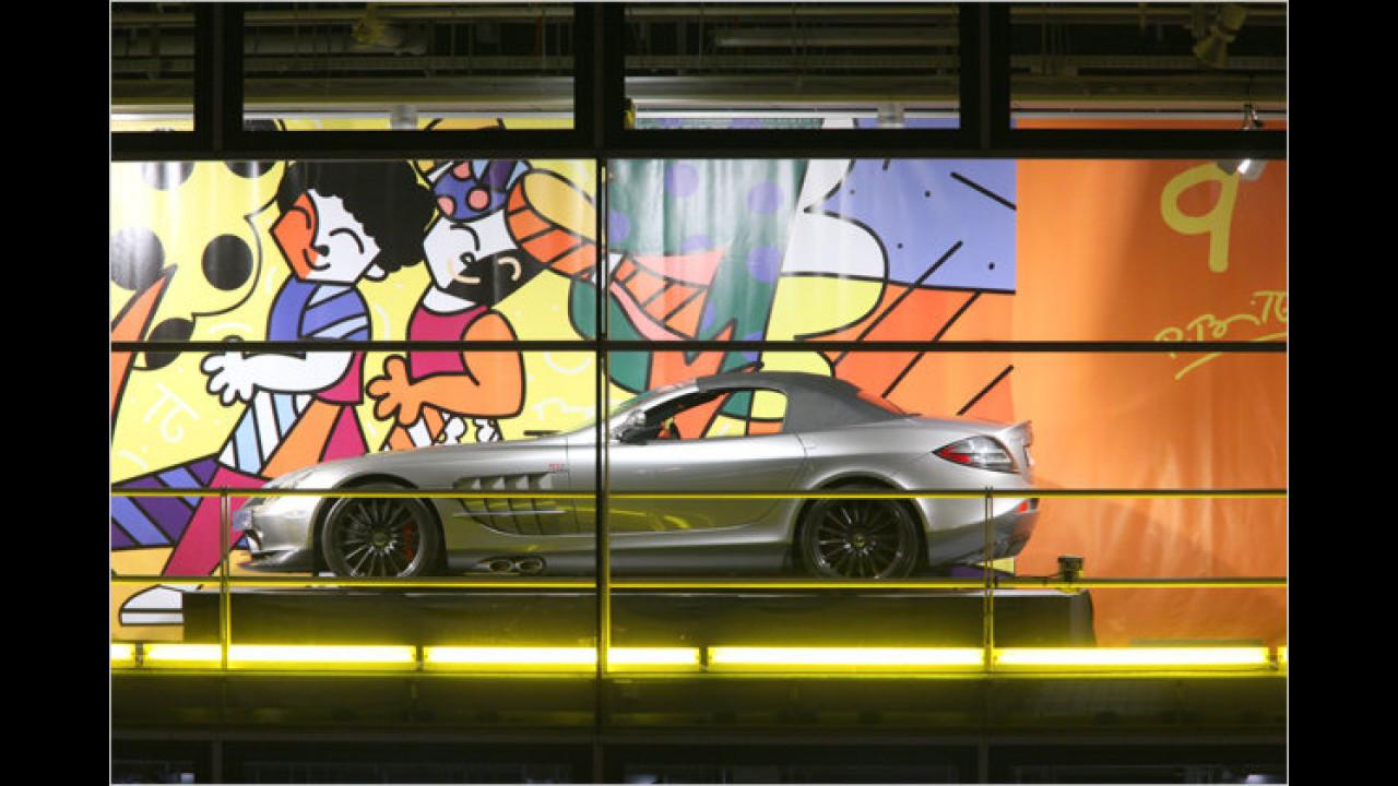 9. Dezember: Mercedes SLR Cabrio, mit Romero Brittos ,Fitness is fun