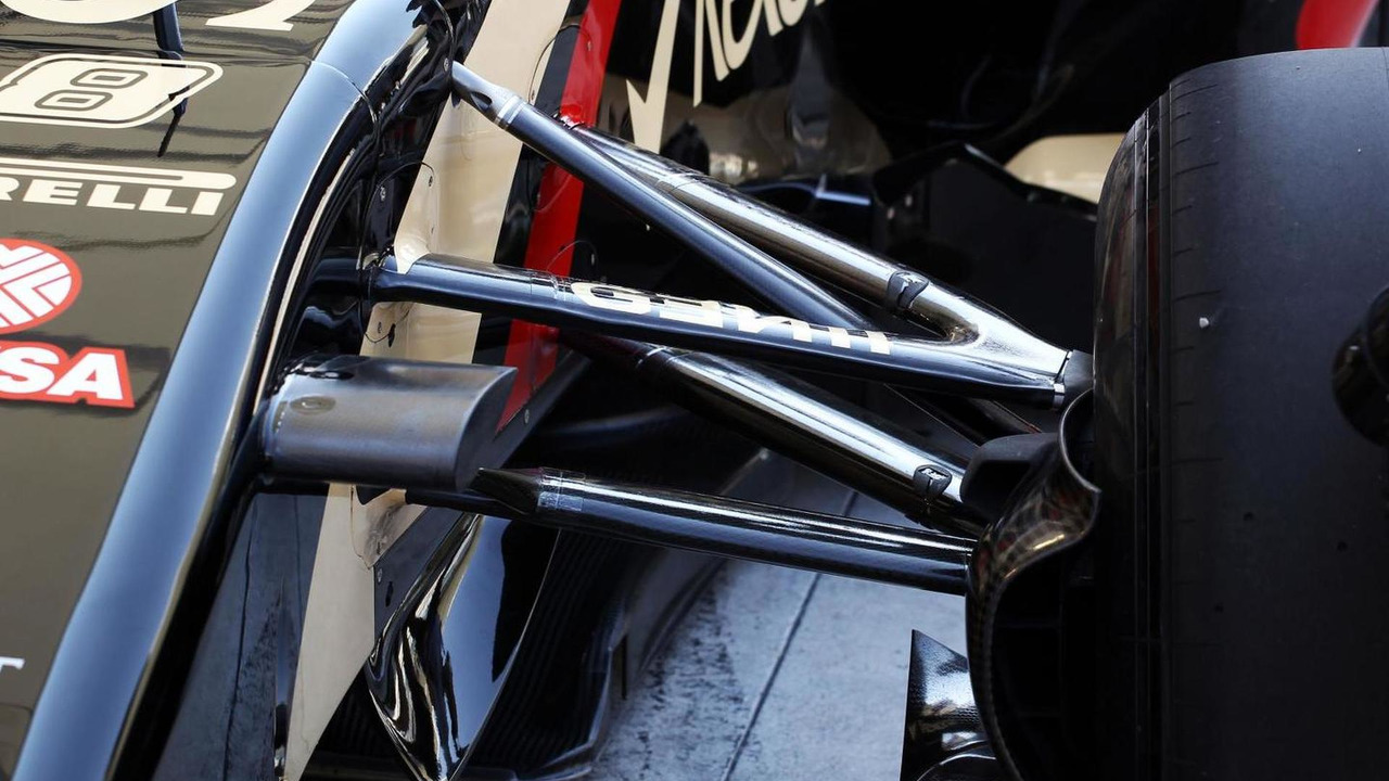 Romain Grosjean (FRA) Lotus F1 E22 front suspension detail / XPB
