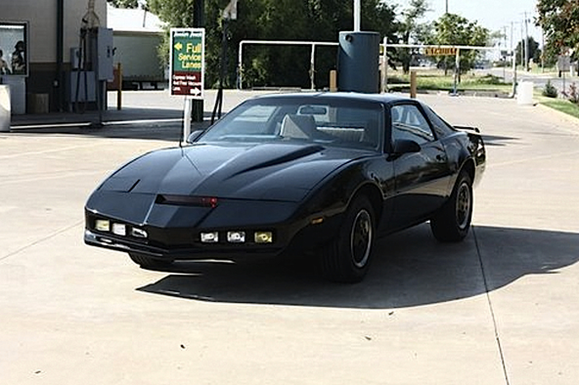 ebay car of the week 1986 pontiac firebird knight rider replica. Black Bedroom Furniture Sets. Home Design Ideas