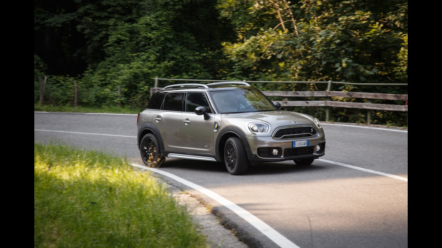 MINI Countryman S E All4, l'ibrida plug-in da 224 CV e oltre 43 km/l