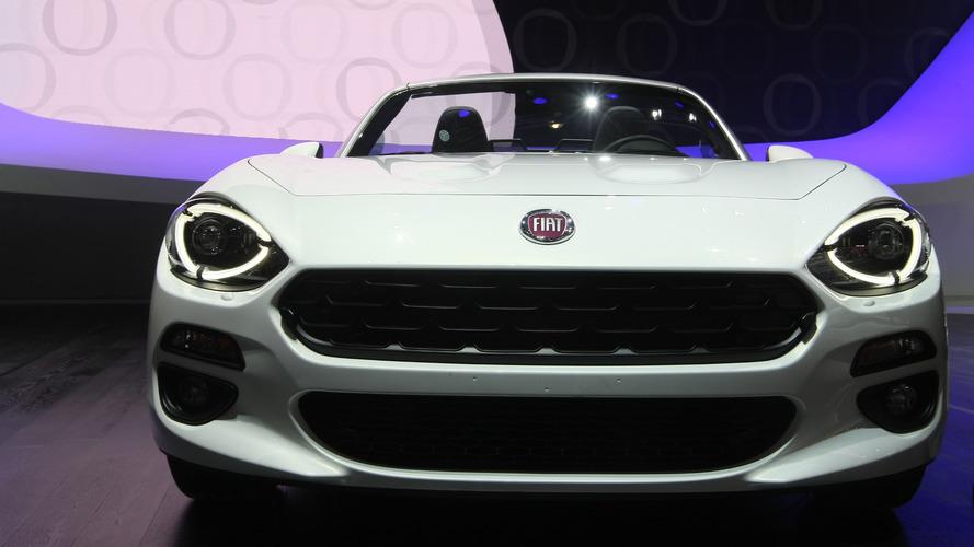2016 Fiat 124 Spider Paris Motor Show