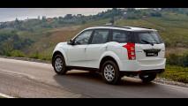 Mahindra XUV500 MY 2017 003
