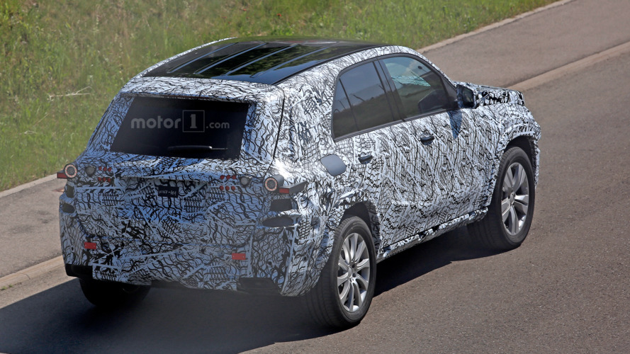 Next-gen Mercedes-Benz GLE spied testing
