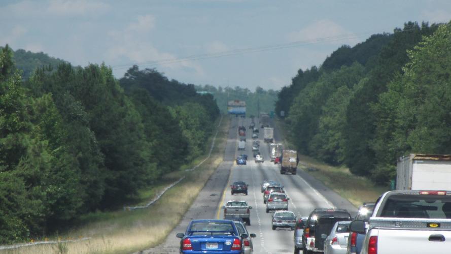 Americans drove record 3.1 trillion miles in 2015