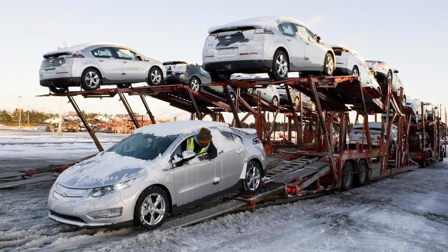 First Chevy Volt sold for $225k, others arriving at dealerships