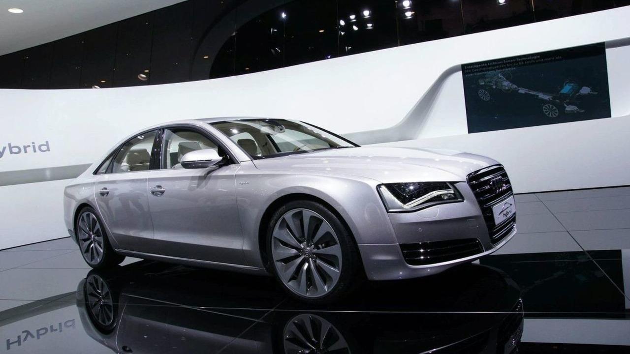 Audi A8 Hybrid live in Geneva 02.03.2010