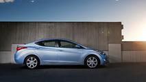 2013 Hyundai Elantra'lar sönmeyen arka stop nedeniyle geri çağrıldı