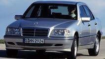 Mercedes C-Class: W202 Series