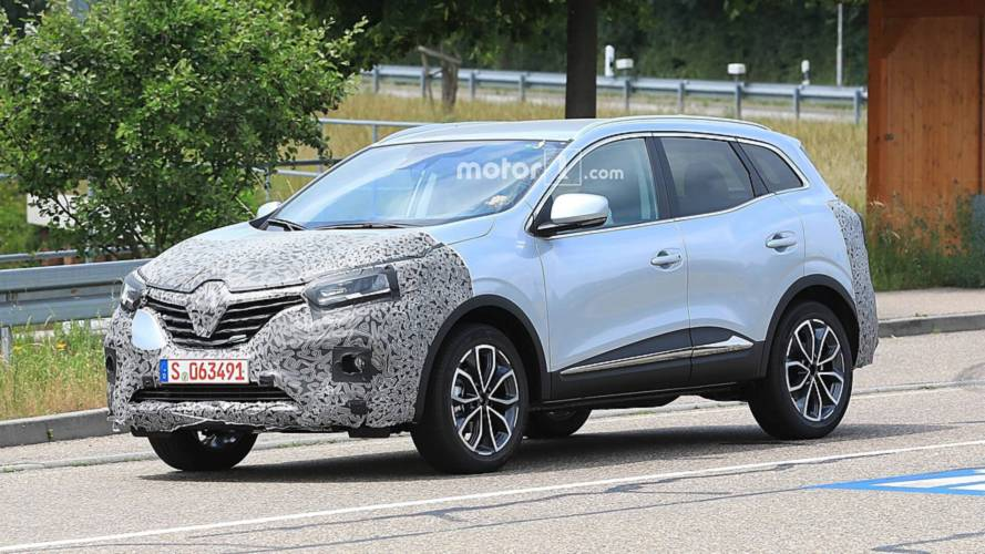 2019 Renault Kadjar caught hiding mild facelift