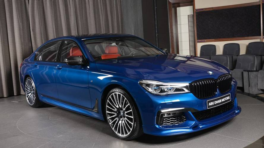 BMW M760Li ek donanımlarla farkını hissettiriyor