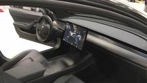 Yeni Tesla Model 3 fotoğrafları
