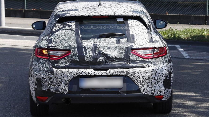 2016 Renault Megane hatchback shows taillights and interior in latest spy shots