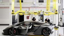 Lamborghini Sesto Elemento hits the track [video]