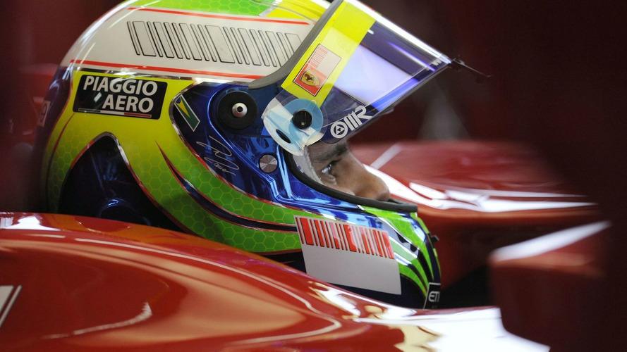 Massa receives damaged helmet