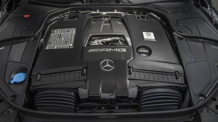 Kikerül a V12-es motor az AMG kínálatából