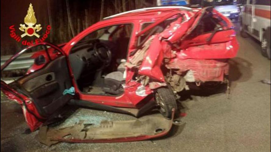 Guida senza patente, ecco uno dei primi incidenti