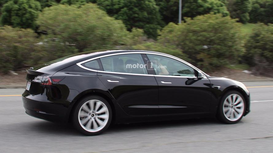 Tesla Model 3 casus fotoğrafları