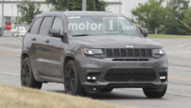 Jeep Grand Cherokee Trawkhawk Spy Photos