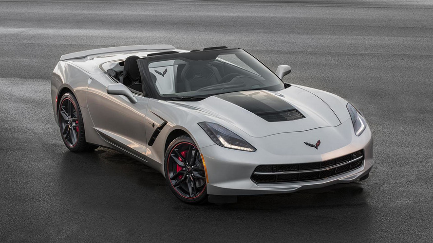 2016 Corvette unveiled with minor changes & three new design packages