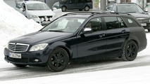 SPY PHOTOS: More Mercedes C-Class Estate