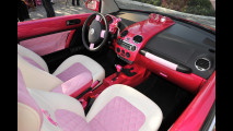 Una Volkswagen New Beetle convertible per Barbie