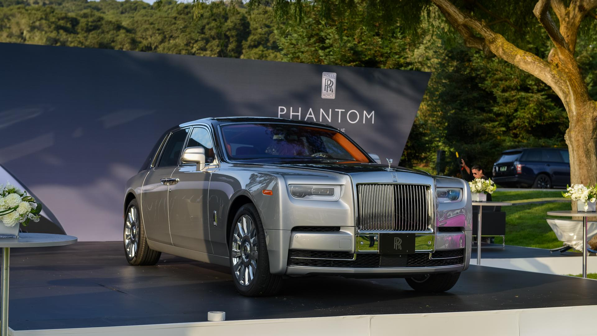 2018 rolls royce phantom commands attention at monterey. Black Bedroom Furniture Sets. Home Design Ideas