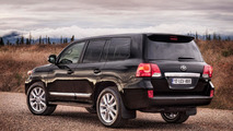 2013 Toyota Land Cruiser facelift revealed (US-spec)