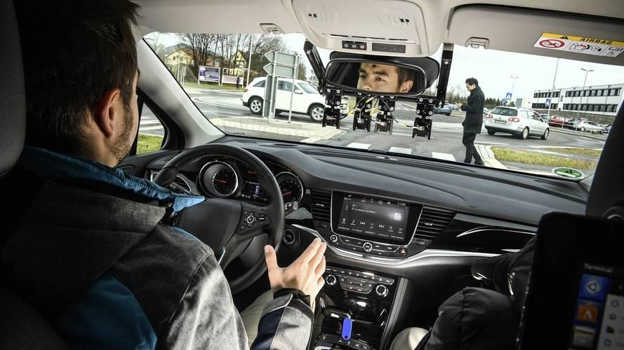Auto a guida autonoma in Italia, partono i test