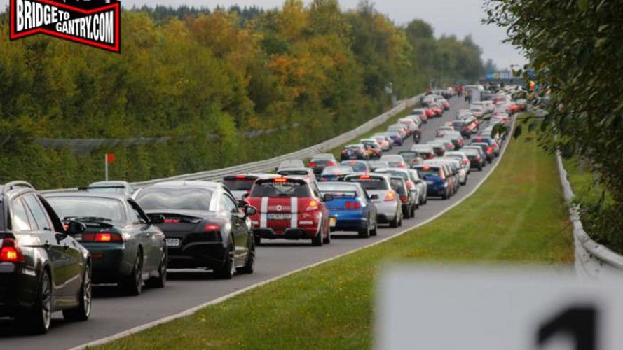 Traffic jam on Nurburgring is almost comical